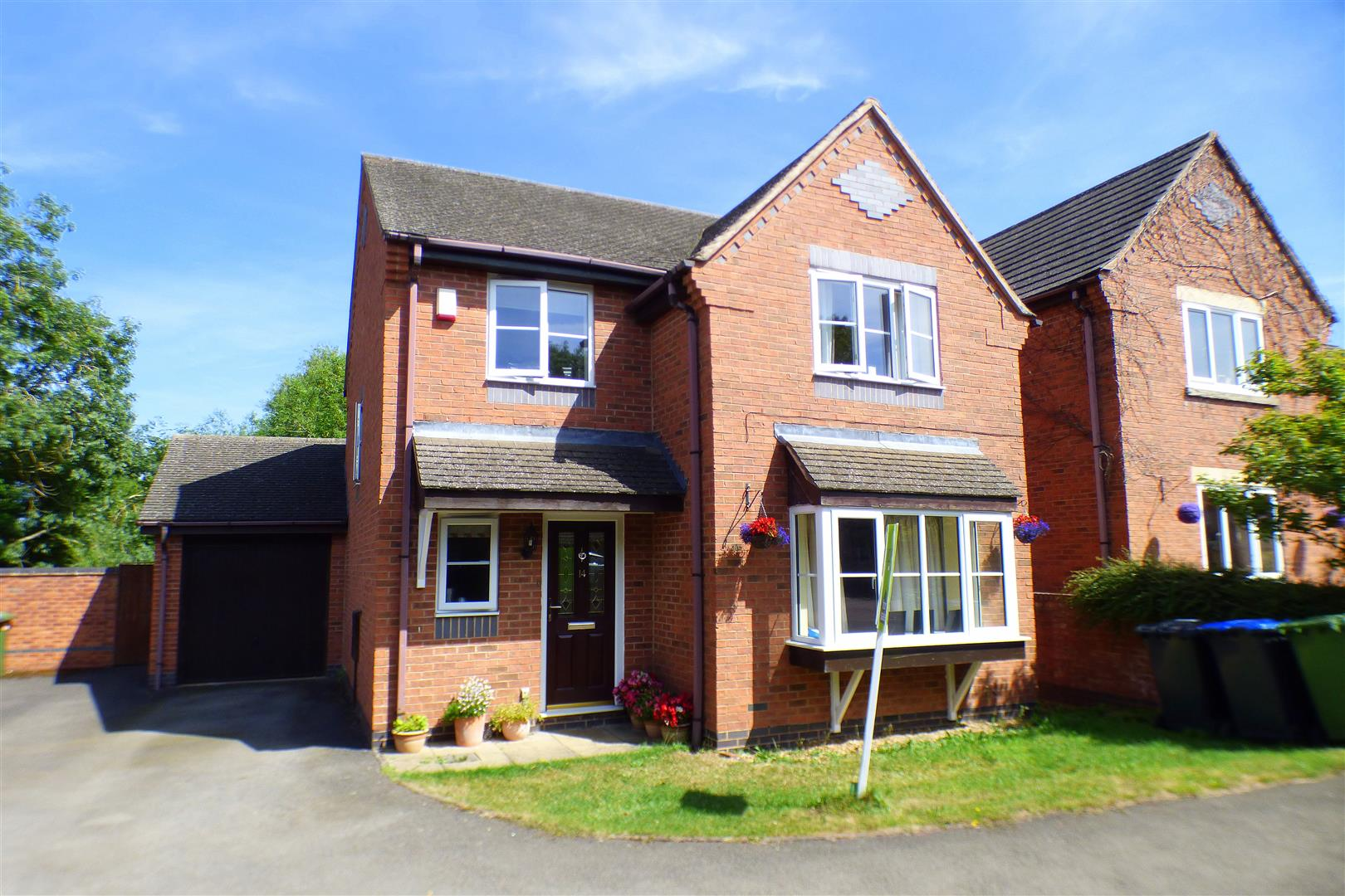 4 Bedrooms Property for sale in Fordington Place, Kineton, Warwick